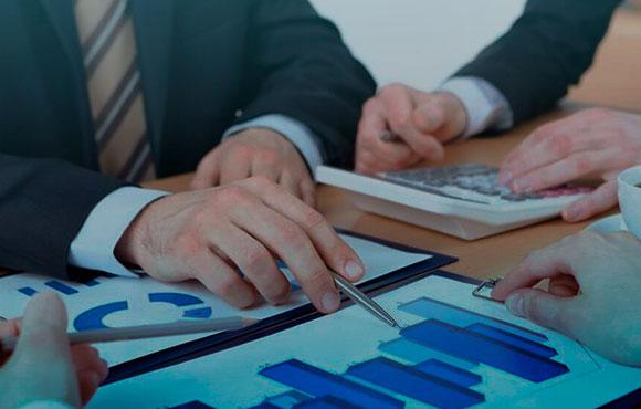 A empresa controladora é responsável pela indenização em caso de liquidação extrajudicial ou falência da seguradora?