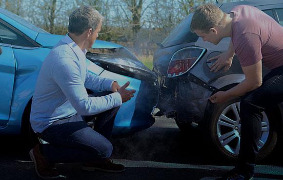 STJ. Os danos decorrentes de acidentes de veículos automotores sem vítimas não caracterizam dano moral in re ipsa.